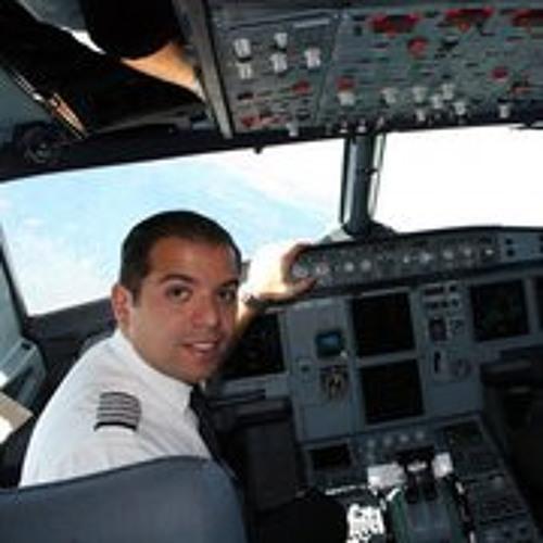 Luis Estrella 1's avatar