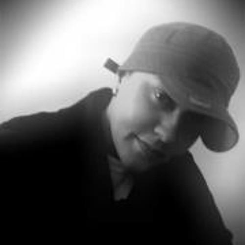 Day B. Zaléz's avatar