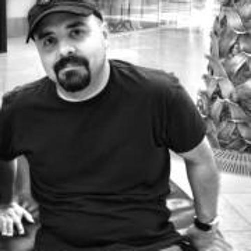 Renato T. Guimaraes's avatar