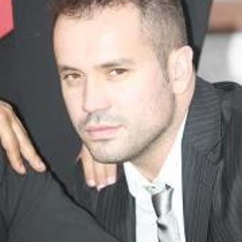 Tito Pereira's avatar