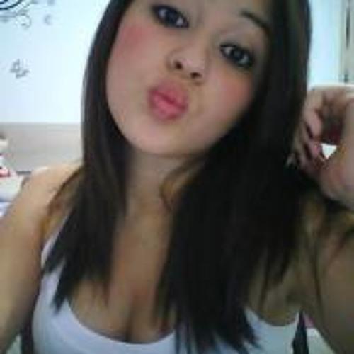Nicolly Araújo's avatar