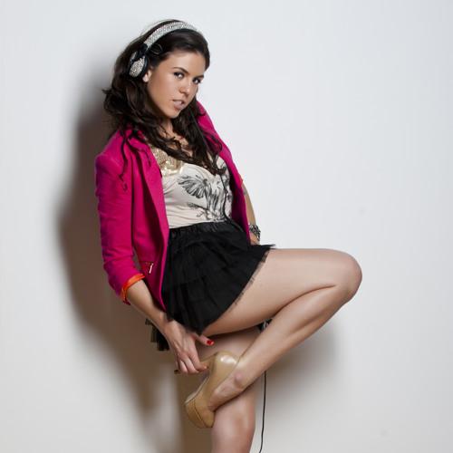 Miss LyL's avatar