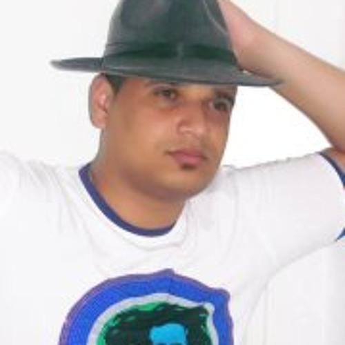 Sam Alvez's avatar