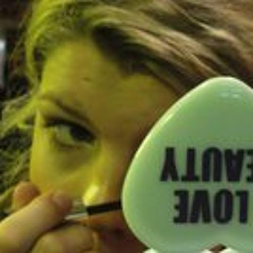 Julia Hackober's avatar