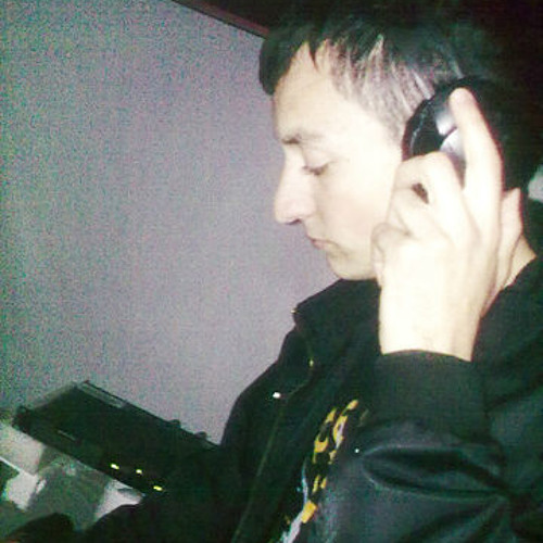 SKY COMRAT's avatar
