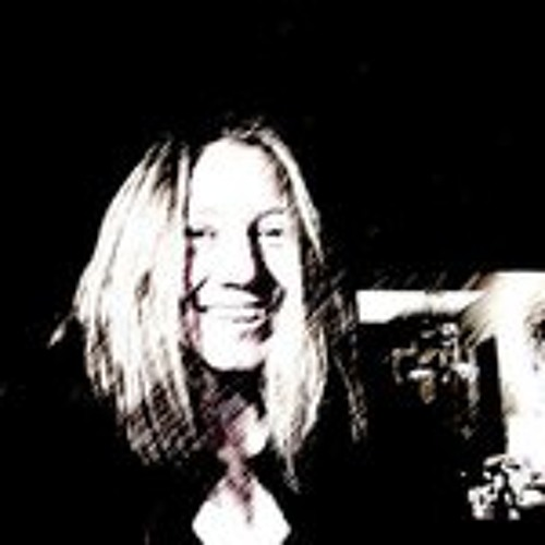 Emma Pasmore's avatar