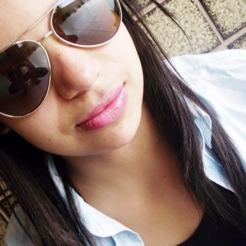 DeborahPinheiro's avatar