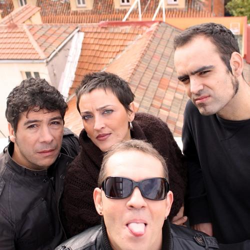 04.CORAZONES DE MADERA