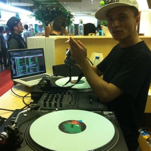 DJE2012's avatar