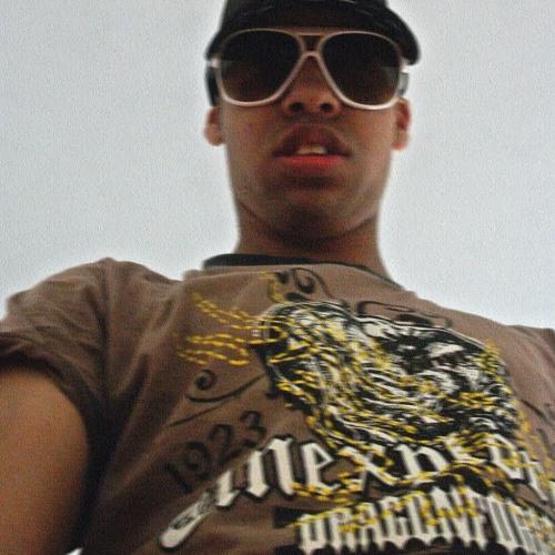 dj juliiiio's avatar