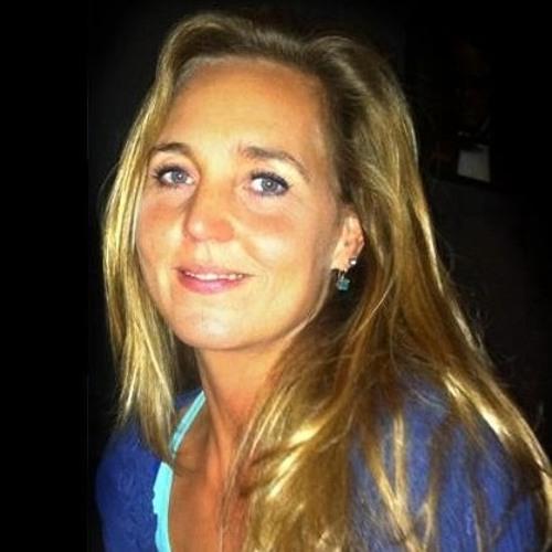 Melinda-Lou vander Linden's avatar