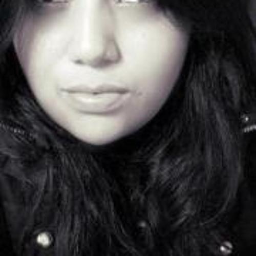 Cristiane R. Bueno's avatar