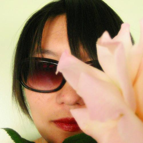Emily Jan's avatar