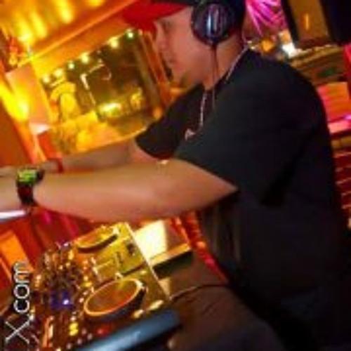 Richard Ledezma's avatar