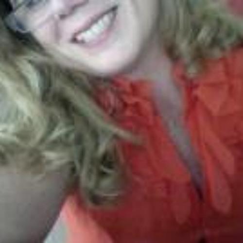 Naira Bernardino's avatar