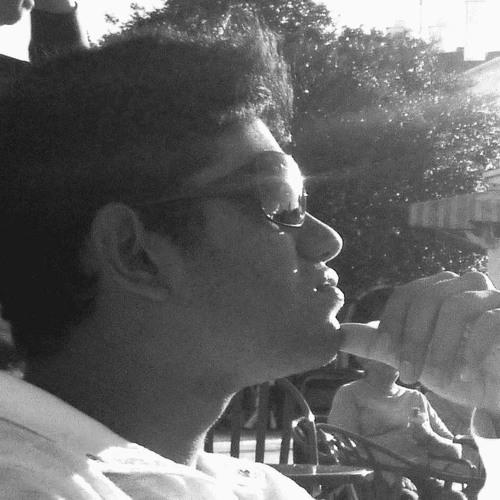 V2 World's avatar