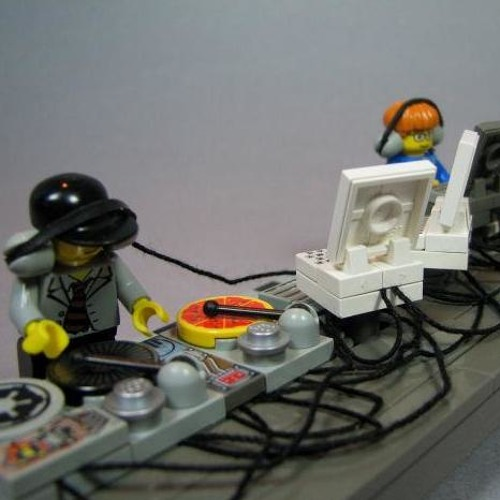Robot Needs Oil - Alone -cut- (Carlo Marani & Victor Montsaint Remix)
