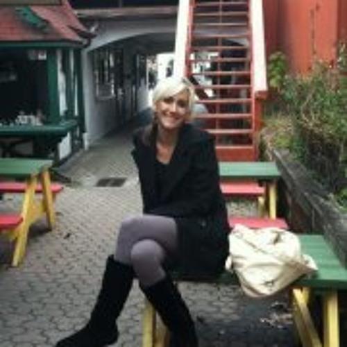 Carmen Zeigler's avatar