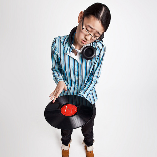 djAlenaSong's avatar
