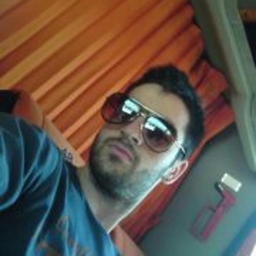 Giannhs Zou's avatar