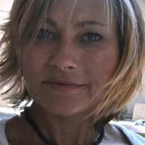 Nina Evans's avatar