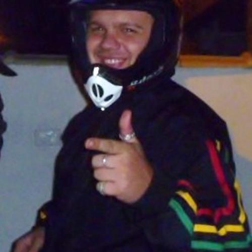 Thiago Meneghtt's avatar