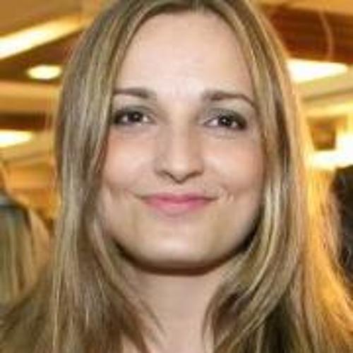 Maria Joana's avatar
