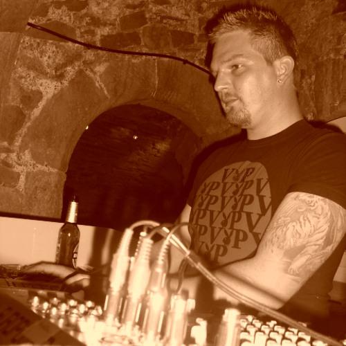 DJ Paralyzer's avatar
