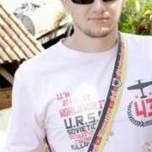 Ricardo Tessaro's avatar