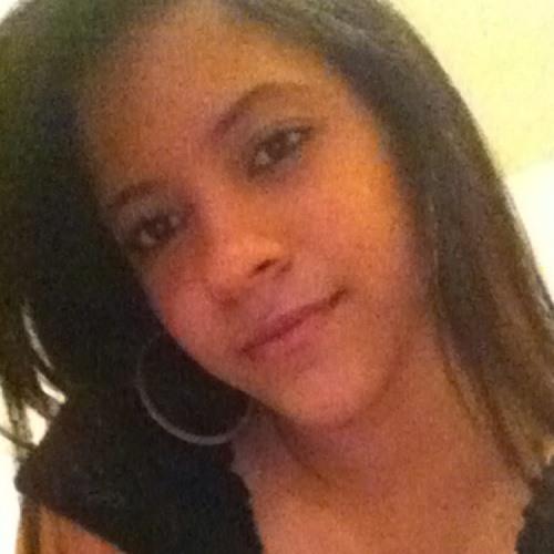 yanny corona's avatar