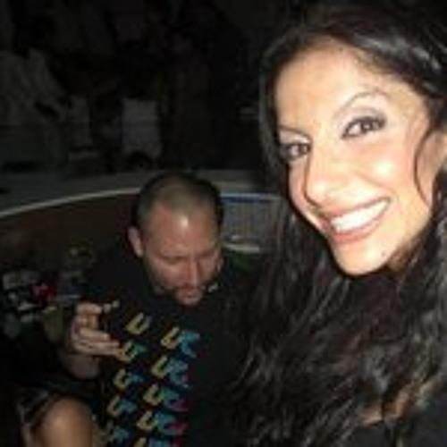 Sana Akroush's avatar