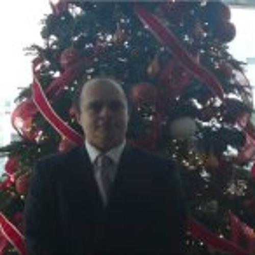Ricardo Serna's avatar