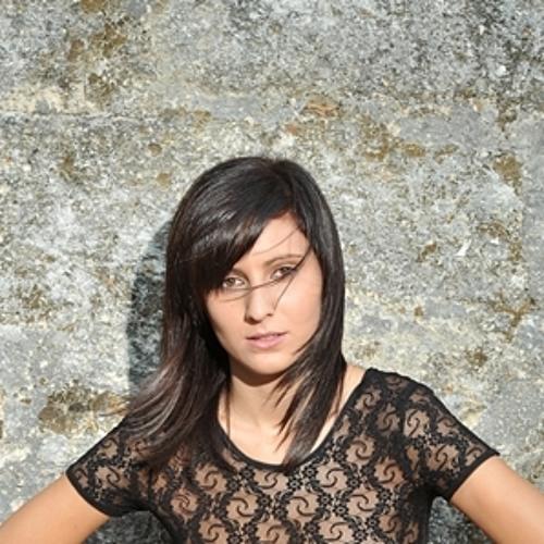 djAlineSilva's avatar