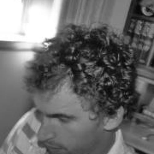 Miguel Tavares 2's avatar