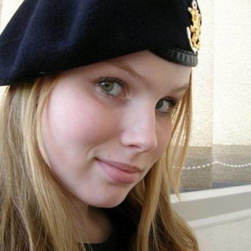 claire simpson's avatar