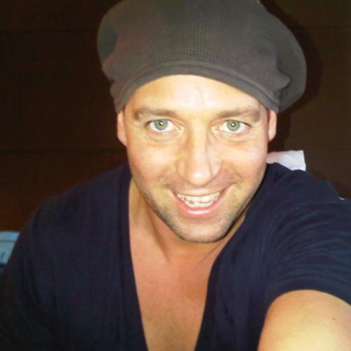 tom-novy's avatar