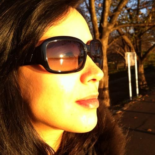 Aline Yuri's avatar