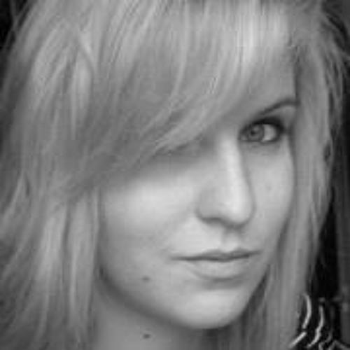 Pam Bo's avatar