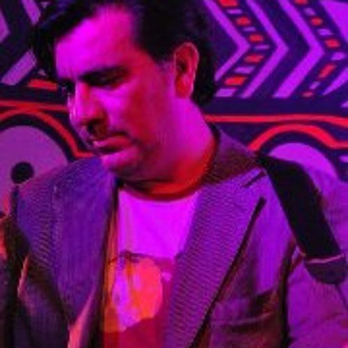Michael Cáceres's avatar