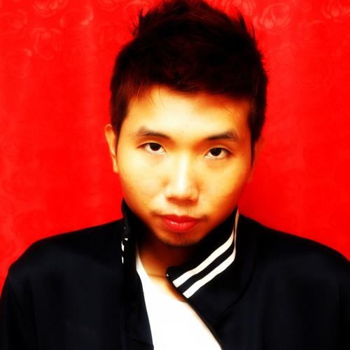 oPtiCeMuSiC™ Productions's avatar