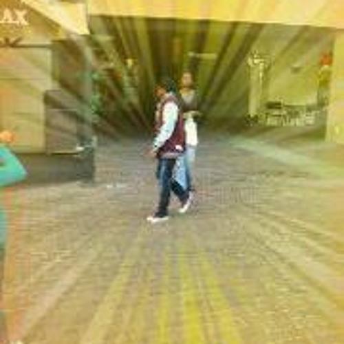 Starrinq Amir's avatar