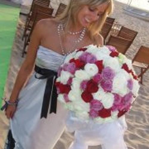 Marisa Neves's avatar