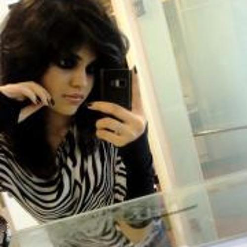 Ramsha Khan's avatar