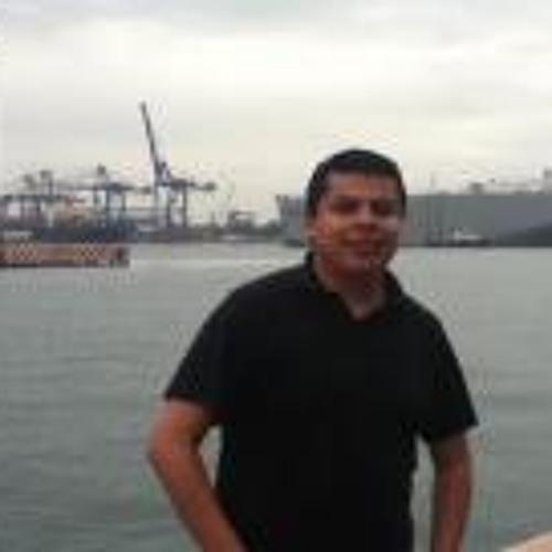Efrain Reyes's avatar