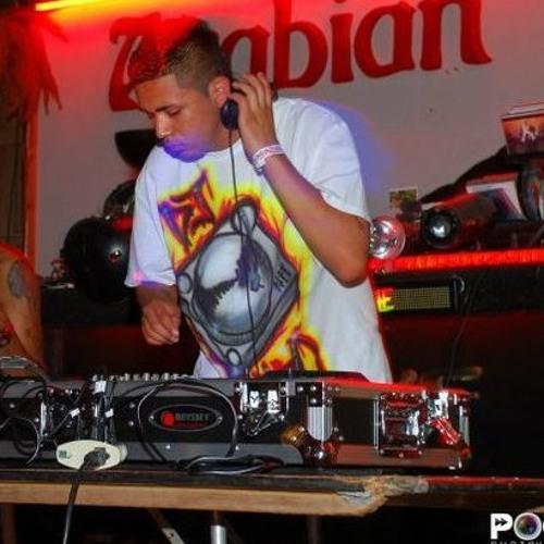 DJ DRO18's avatar