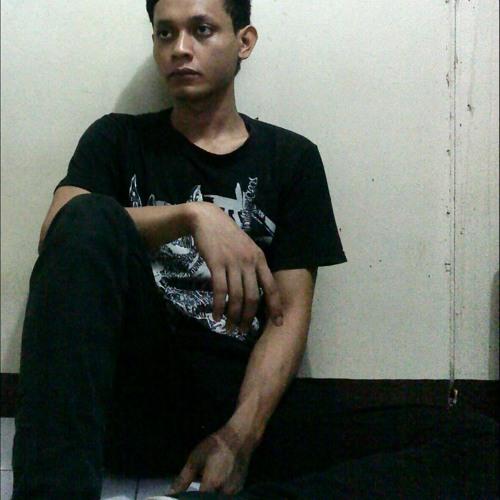 RizalHollow's avatar