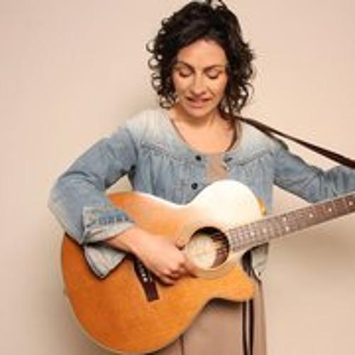 Monica Coronado's avatar