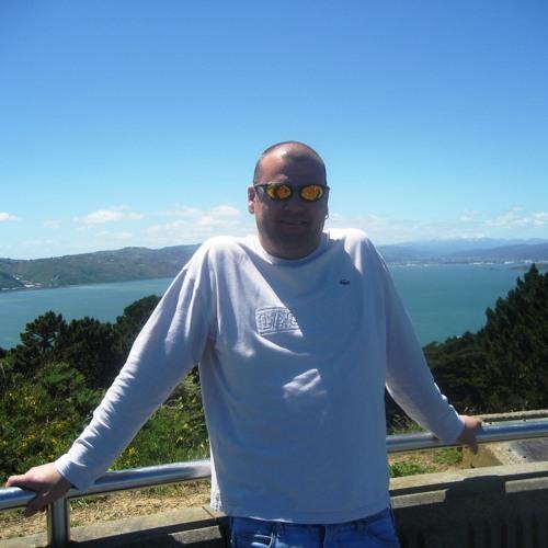 Martin Jewell's avatar