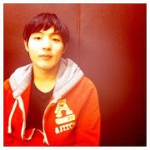 Yong Joon's avatar