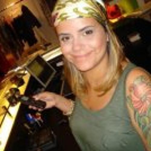 Bruna Coelho's avatar